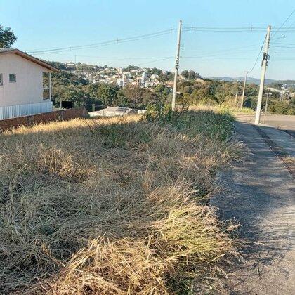 Lindo terreno, de esquina, no Bairro Colina, localizado atrás do Posto Sander!! Confira!!