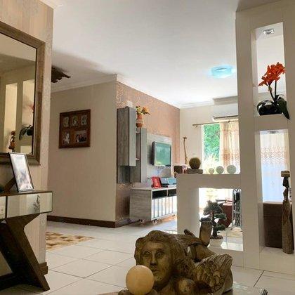 Lindíssimo apartamento a venda, no centro da cidade de Marau-RS. Ótima infraestrutura e posição solar. Imóvel super iluminado, Com salão de festa muito bem equipado e elevador. Confira!!